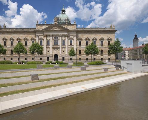 Bundesverwaltungsgericht mit Mendelssohn-Ufer | Leipzig